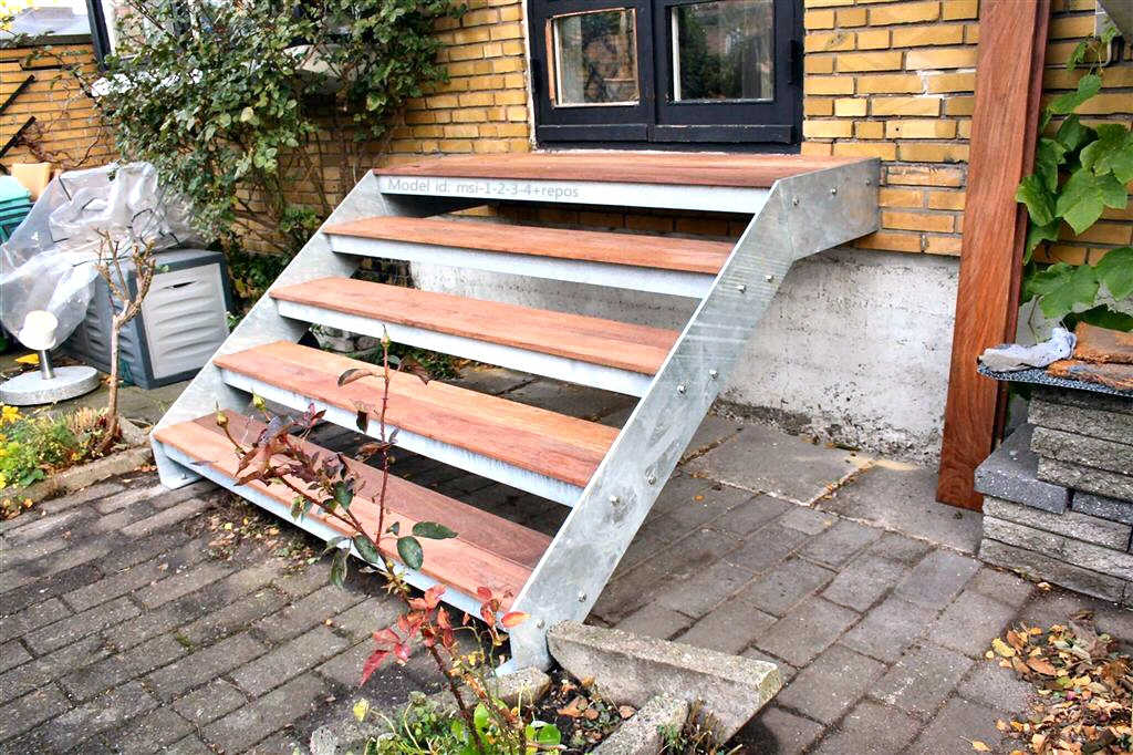 galvaniseret_staaltrapper_udendoers_terrasse_trapper_07