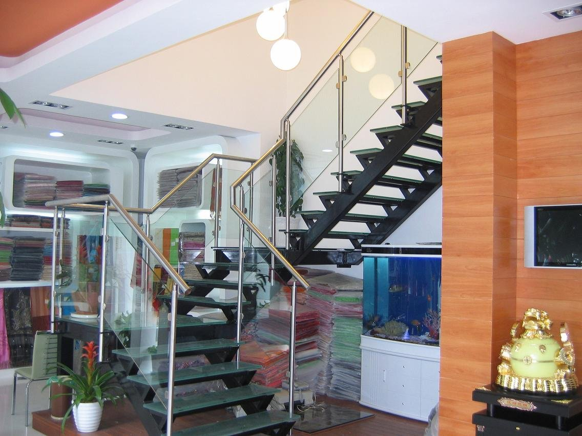 public_staircase_steel_structure_glass_treads_amp_railing__634591748035743078_1