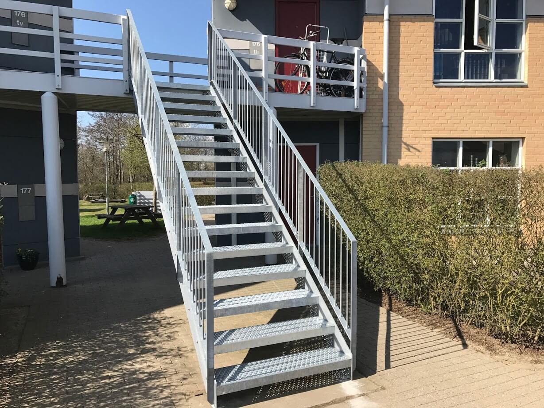 Galvaniseret stål trappe til svalegang