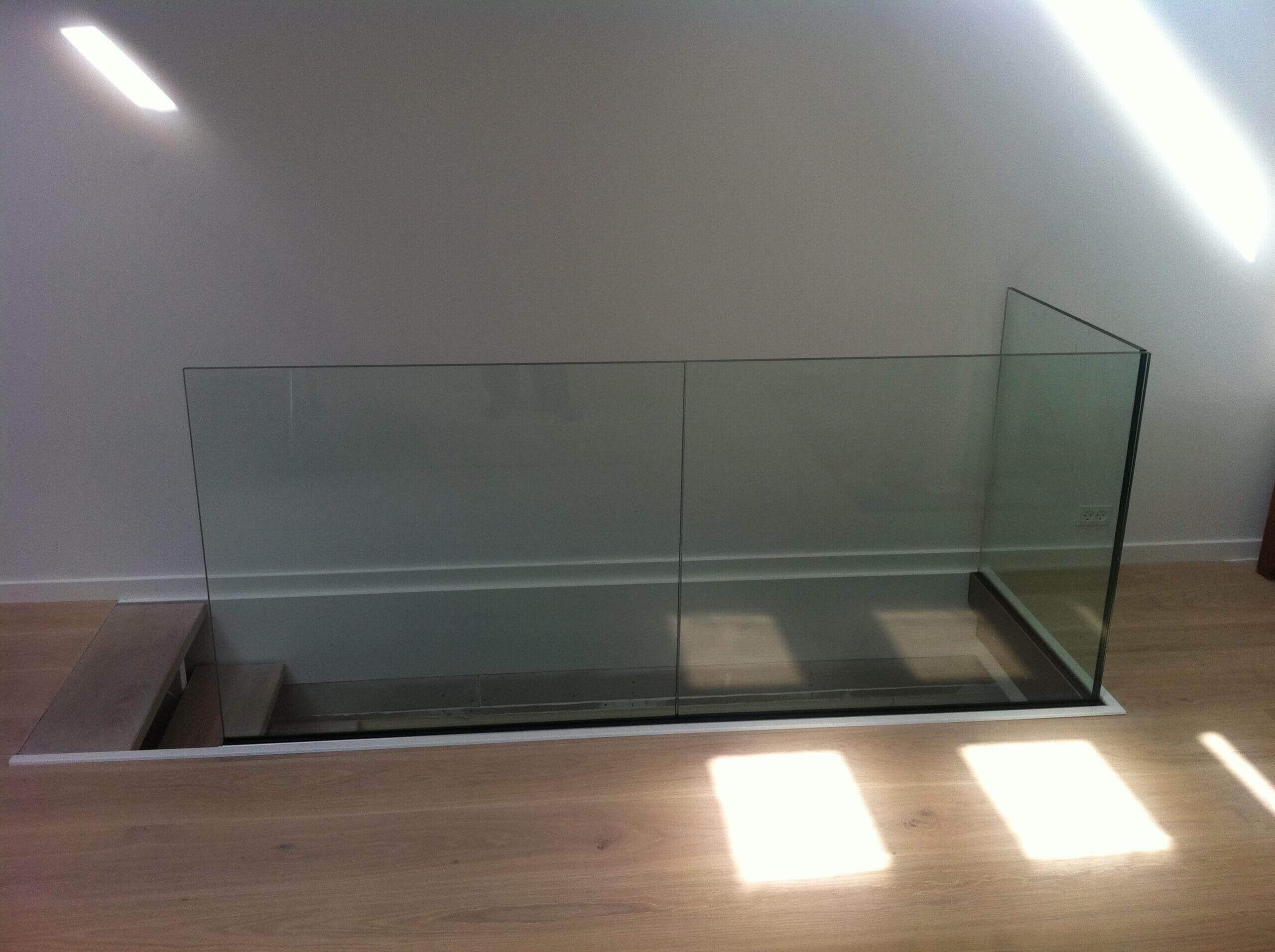 Posi Glaze alu-bundskinnesystem med glas